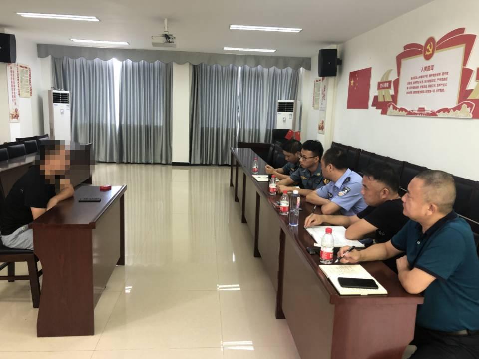 主+8.7+吴波+   资阳管理处迅速处置辖区非法移动维修车